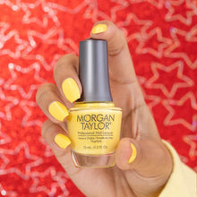 Afbeelding in Gallery-weergave laden, Morgan Taylor | Glow Like A Star | 15 ML