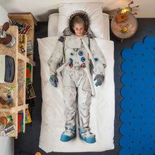 Load image into Gallery viewer, Snurk Astronaut Duvet Cover & Pillow Case - Feather on the Floor