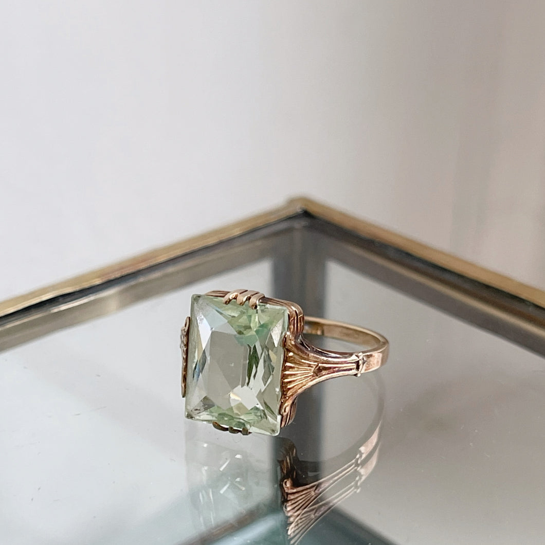 ANTIQUE STYLE  RING WITH  LIGHT GREEN RECTANGULAR-CUT SPINEL