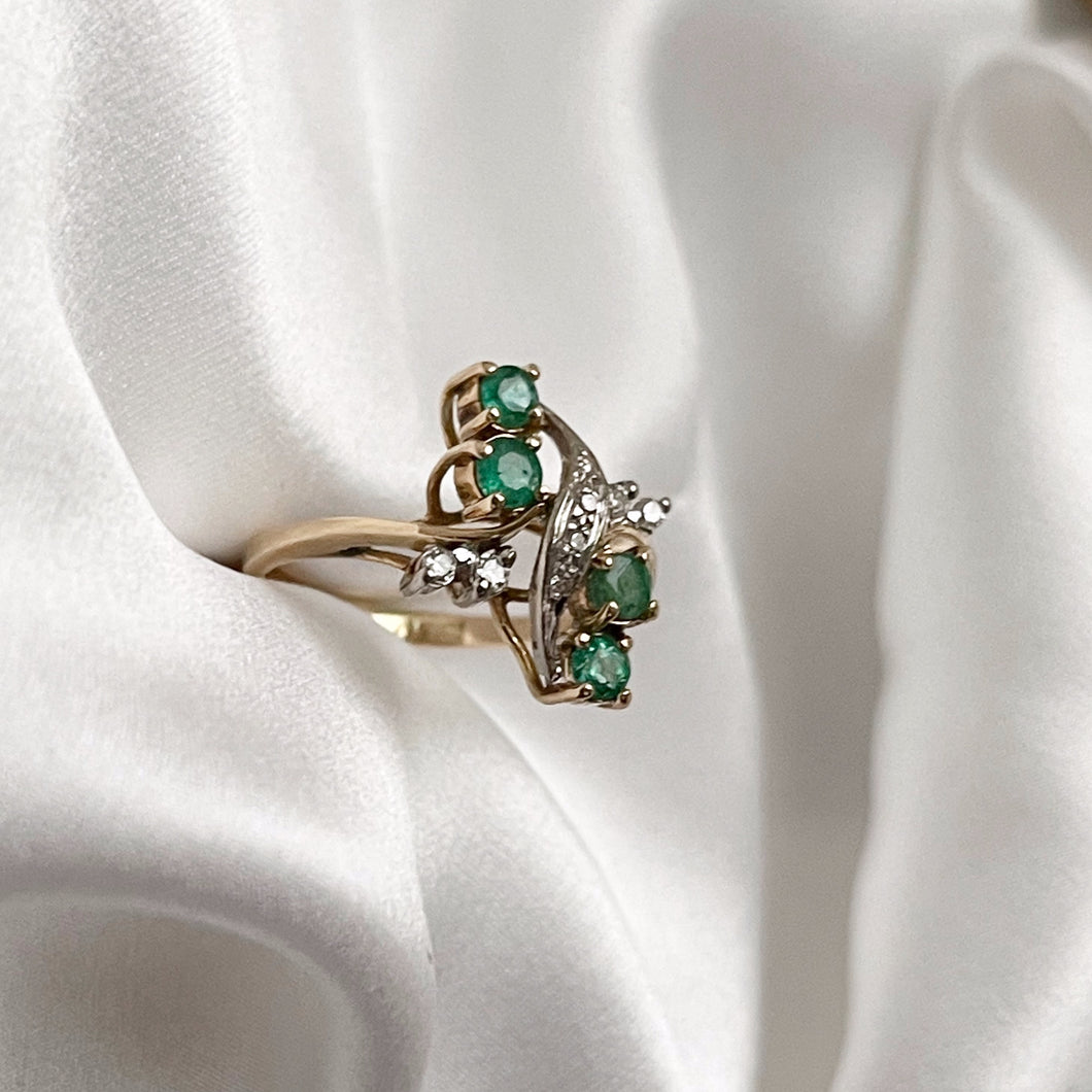 VINTAGE ART NOUVEAU STYLE DIAMONDS AND EMERALDS RING