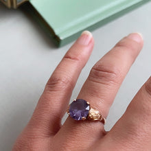Load image into Gallery viewer, VINTAGE PURPLE/BLUE SAPPHIRE SOLITAIRE RING