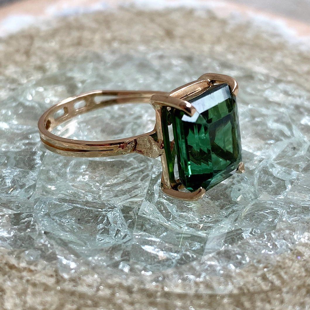 ART DECO STYLE GREEN CITRINE RING
