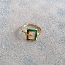 Load image into Gallery viewer, GREEN ENAMEL VINTAGE RING
