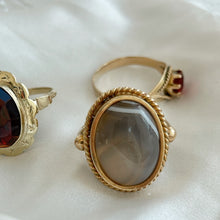 Load image into Gallery viewer, Vintage Cabochon Agate Ring