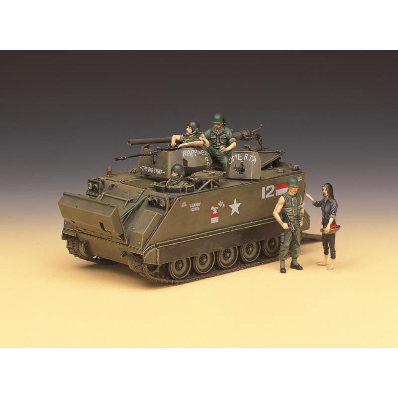 Academey 1/35 M113A1 Vietnam Version