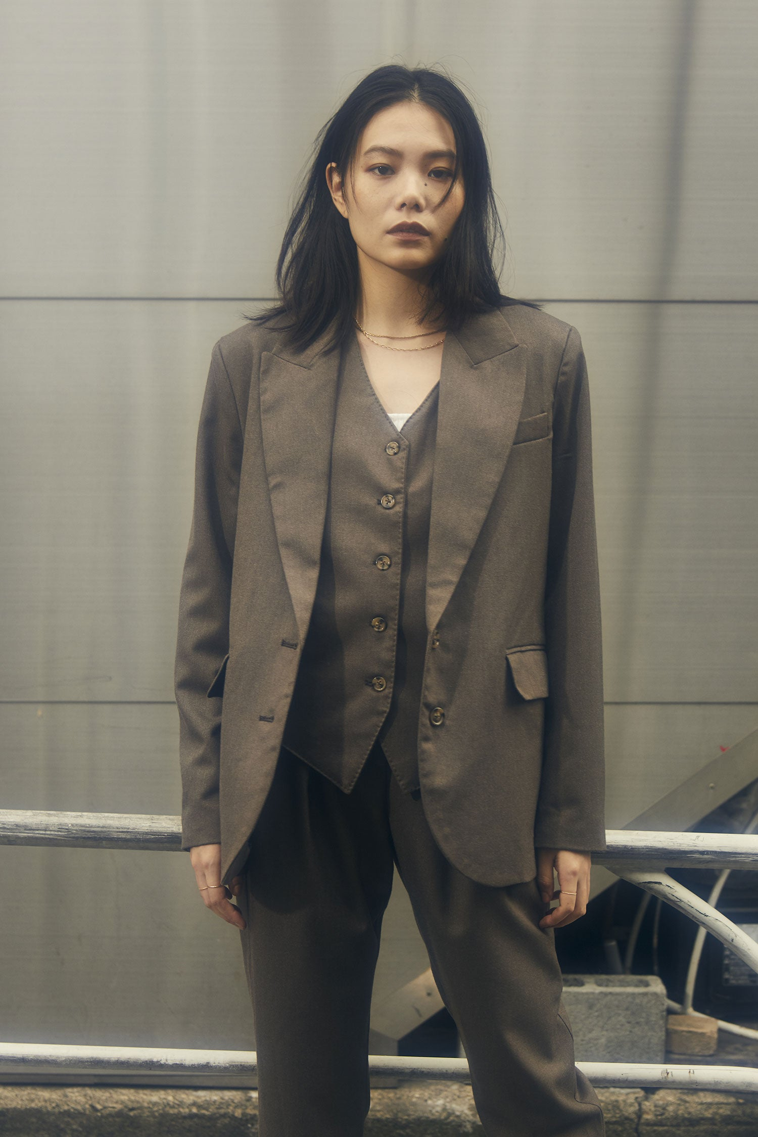 tailored vest -brown-