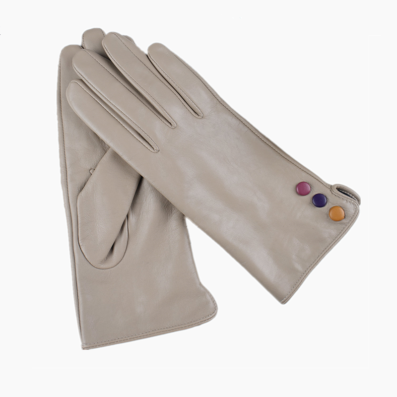 beige leather gloves