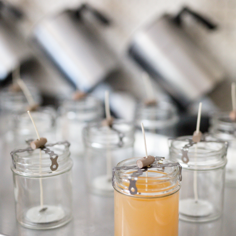 Non-toxic candles handpoured with Candelilla and Coconut