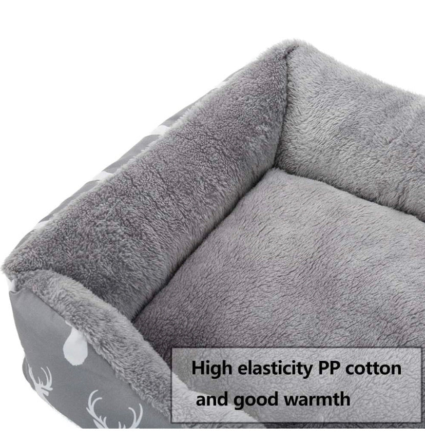 Plush cat/small dog bed