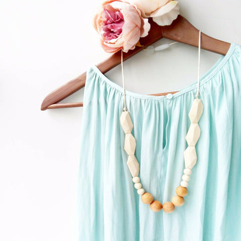 Joan Wood Necklace in Cream