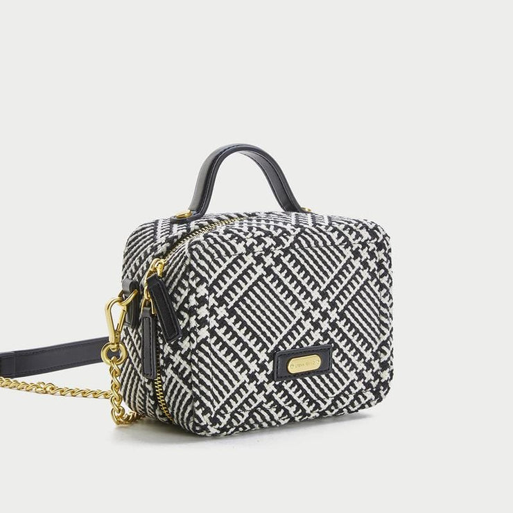 QUILTED CHAIN SQUARE BAG - Urban Revivo Fashion