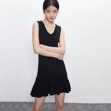 SIMPLE V-NECK SLEEVELESS MINI DRESS - Urban Revivo Fashion