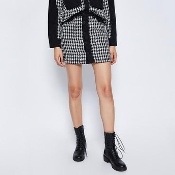 COLOR BLOCK PLAID BUTTON MINI SKIRT - Urban Revivo Fashion