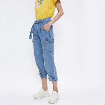 CASUAL LOOSE DENIM JEANS WITH BELT - Urban Revivo Fashion