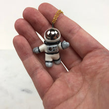 Load image into Gallery viewer, Astronaut Pendent Necklace