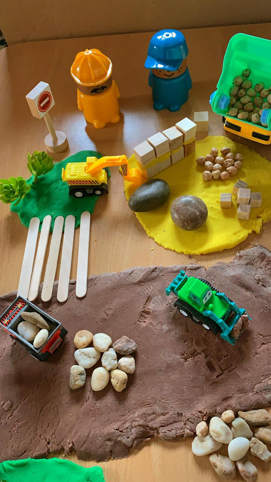 Construction Play Dough Kit