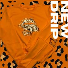 Load image into Gallery viewer, Cheetah Print Short Crew Neck Top Jogger set