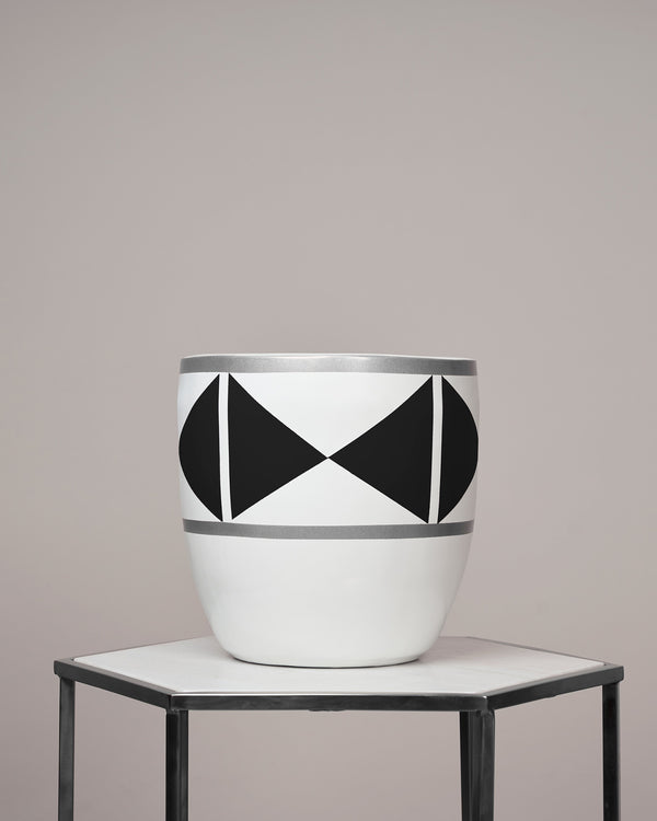 MYKONOS - NOIR BLACK PLANTER