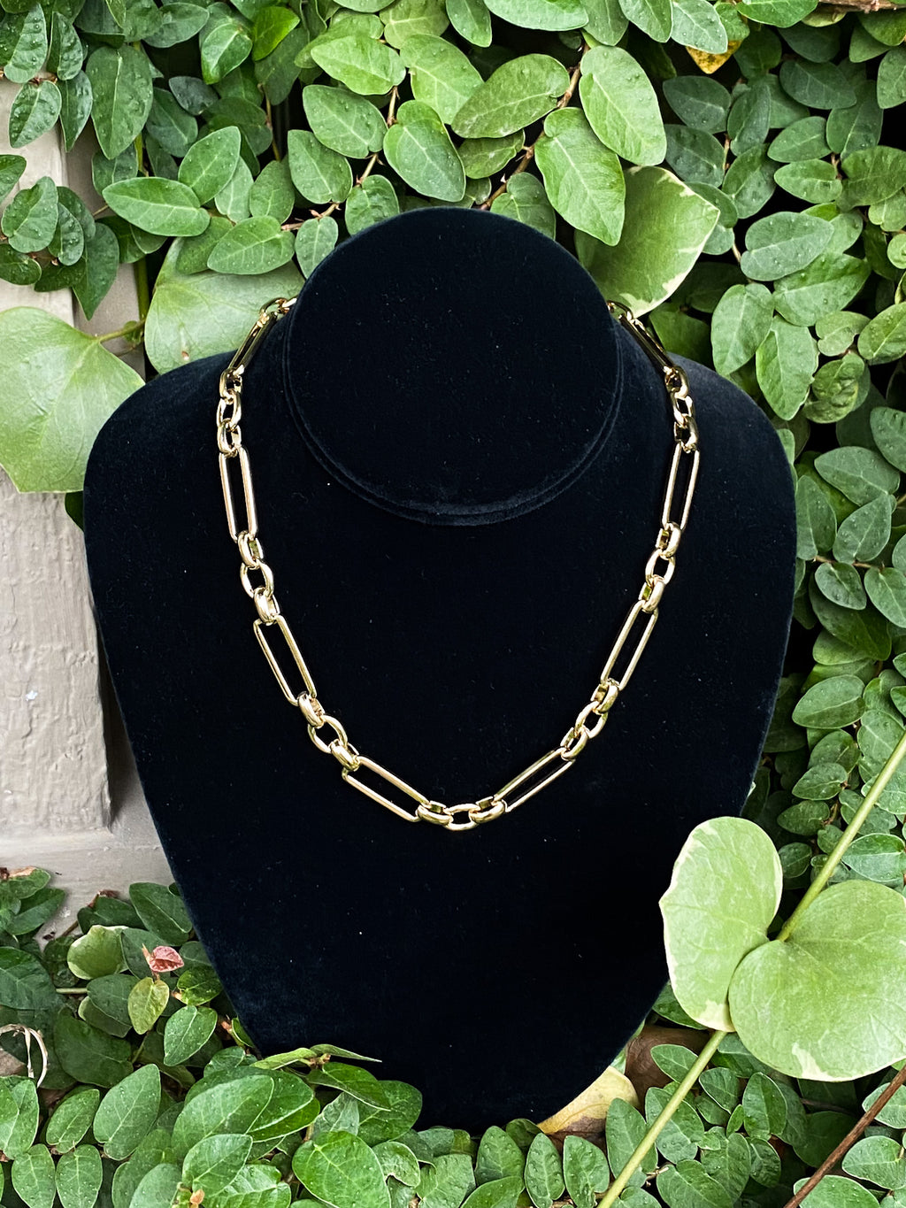 Short Alternating Circle/ Rectangle Chain necklace