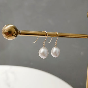 Fresh Water Ellipse Pearl Pierces / Earrings