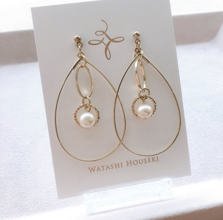 Round Motif and Water Pearl Pierces / Earrings