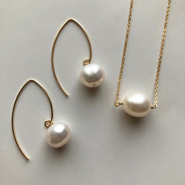 Fresh Water Pearl V Hook Pierces