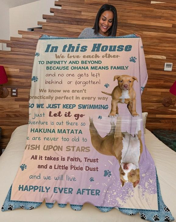 Omegaspeaker-In this house We love each other to infinitve - Pitpull gift Blanket