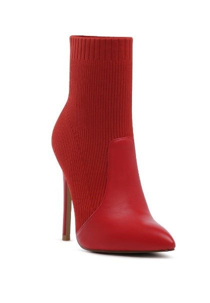 pointed toe stretched boots