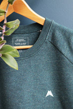 Afbeelding in Gallery-weergave laden, Sweater Pili: Cosmic dust (nappy green)