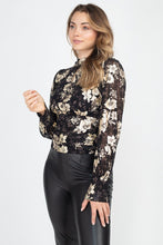 Load image into Gallery viewer, AMIRA Floral Keyhole Top