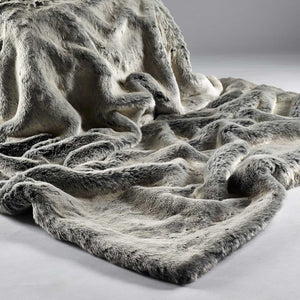 Alaska Faux Faur Throw