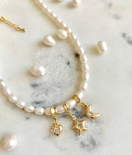 Load image into Gallery viewer, PEARL DROPS NECKLACE