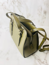 Load image into Gallery viewer, The Commuter Little Big Shot Leather Satchel