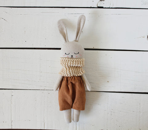 Pepita Calabaza Bunny from the Natural Dyed Collection: Catechu