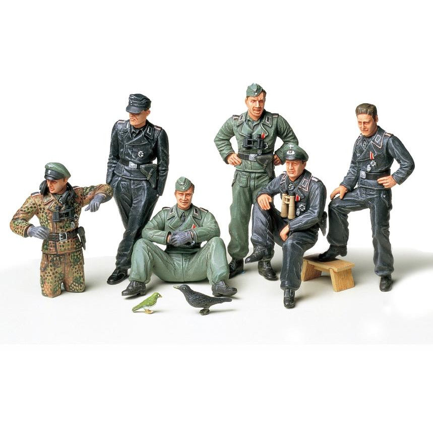 Tamiya 1-35 GERMAN TANK CREW AT REST