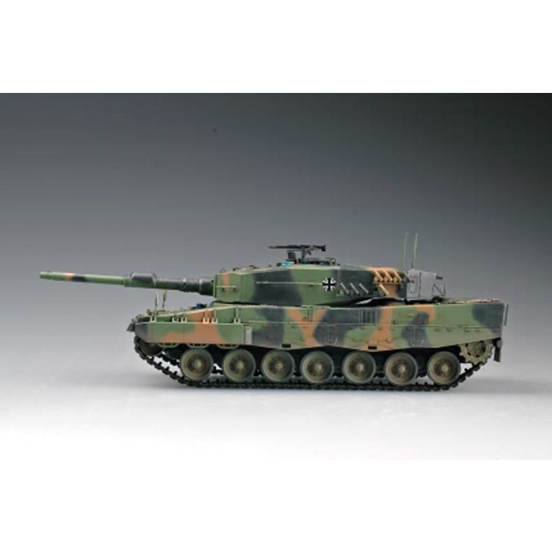 Hobby Boss 1:35 German Leopard 2 A4 tank 82401