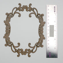 Load image into Gallery viewer, Oval Frame Ornate