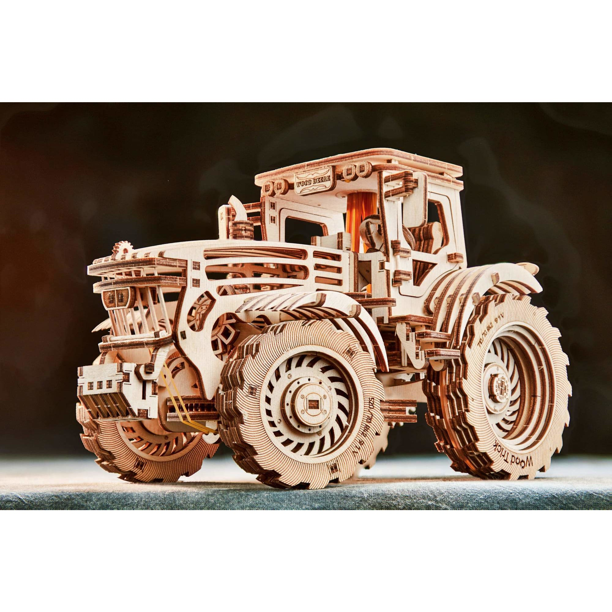 Tractor Wooden Toy-MercadoGames.com