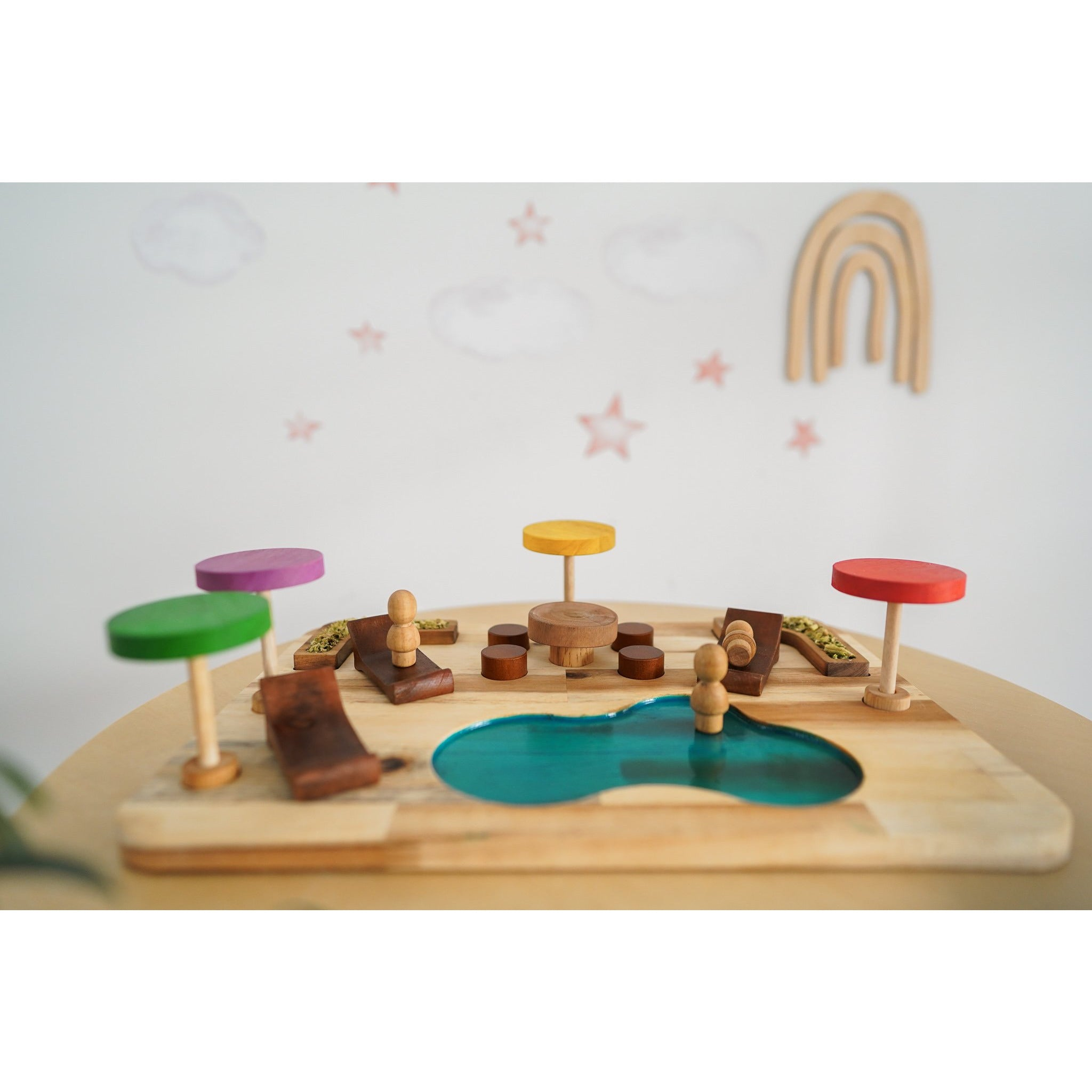 QToys Gnomes Resort Wooden Toy-MercadoGames.com