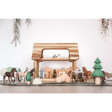 QToys Horse Stable Wooden Toy-MercadoGames.com