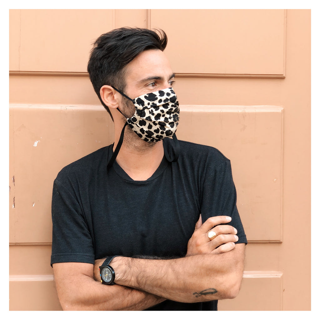 LEO PRINT FACE MASK WITH BLACK NECK RIBBON FOR MEN
