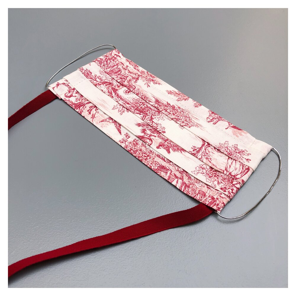 "TOILE DE JOUY ""RED"" FACE MASK WITH NECK CORD (M)"