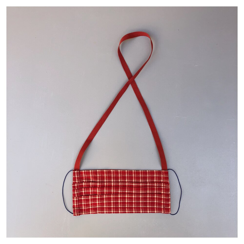 RED CARO FACE MASK WITH NECK CORD (M)