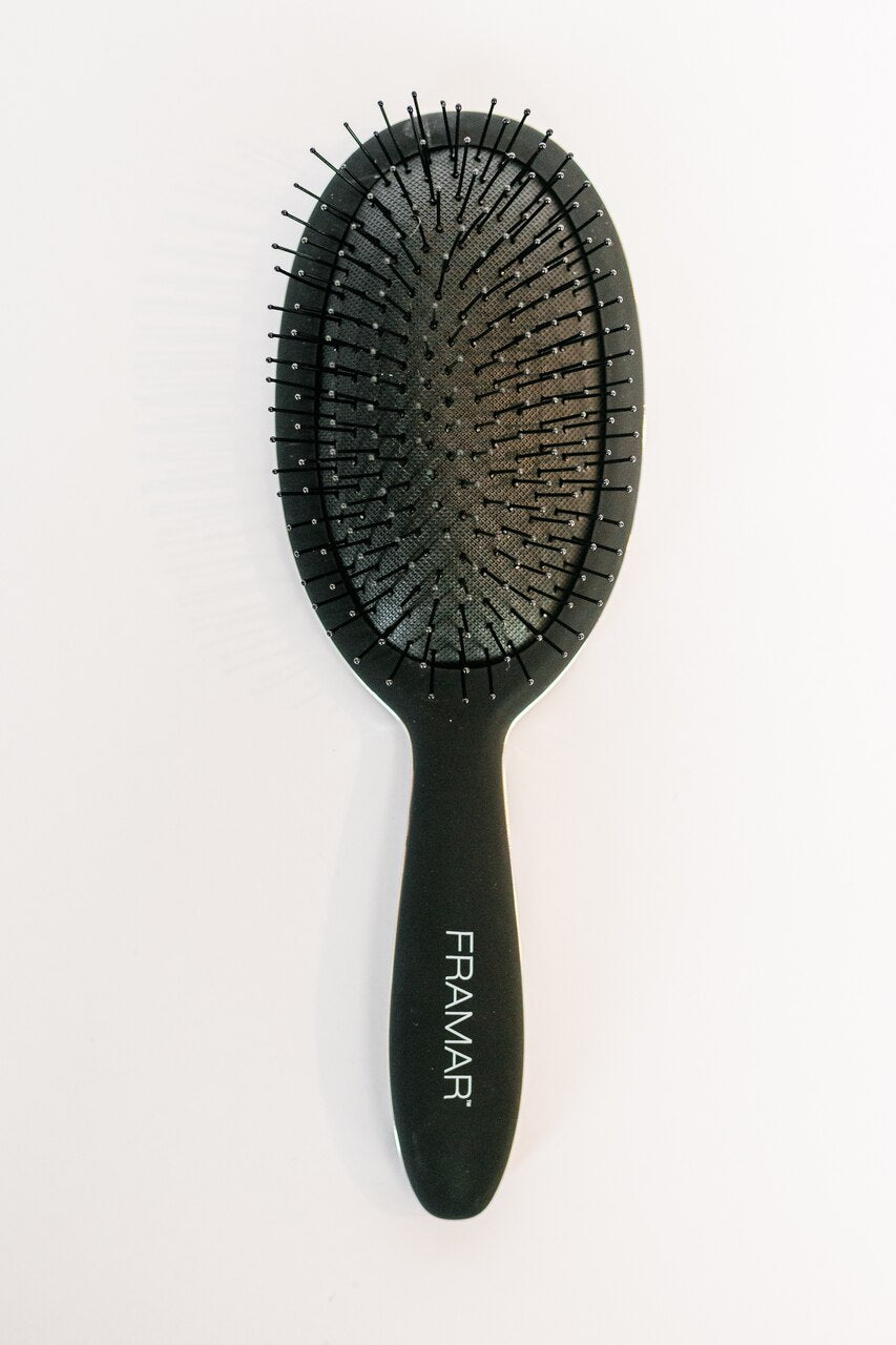 Black to the Future Detangle Brush