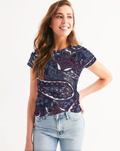 Load image into Gallery viewer, Paisley Beauty Women's Tee