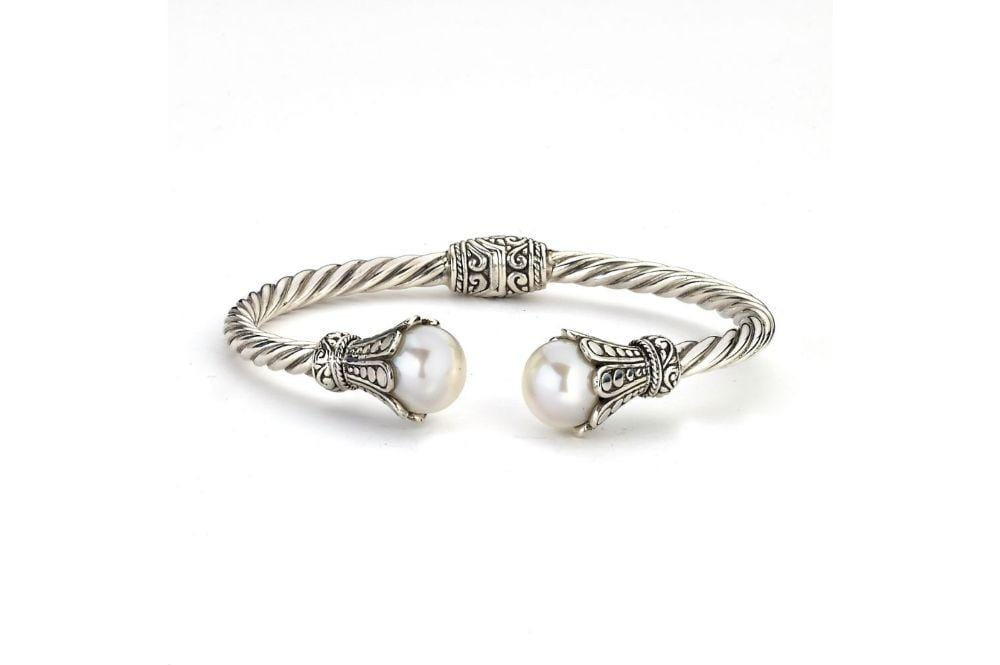 Samuel B BANGLE Bali Twist Bangle White Pearl