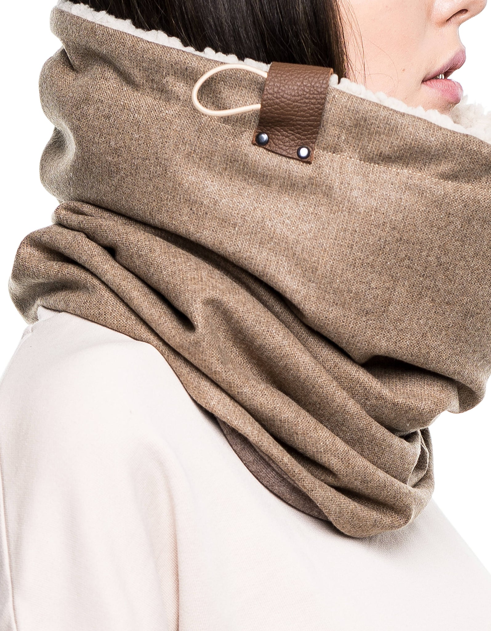 Wool cowl scarf, Chunky scarf, Chunky cowl in light camel wool lined with faux lamb