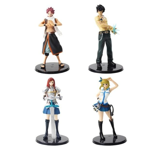 Lot 4 figurines Fairy Tail
