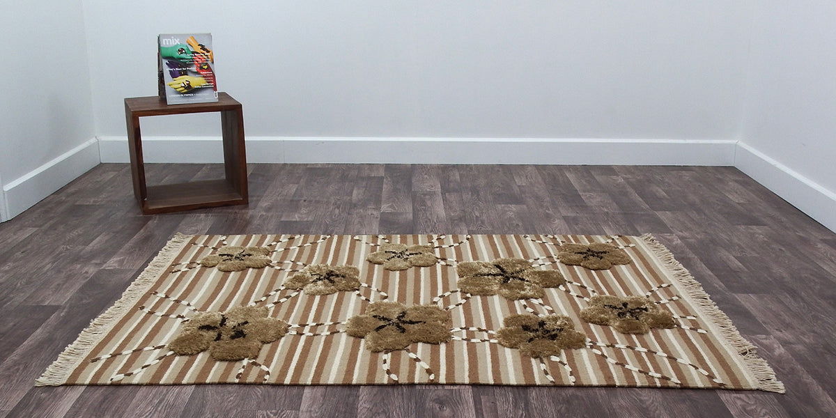 contemporary-lotus-hand-woven-beige-rug