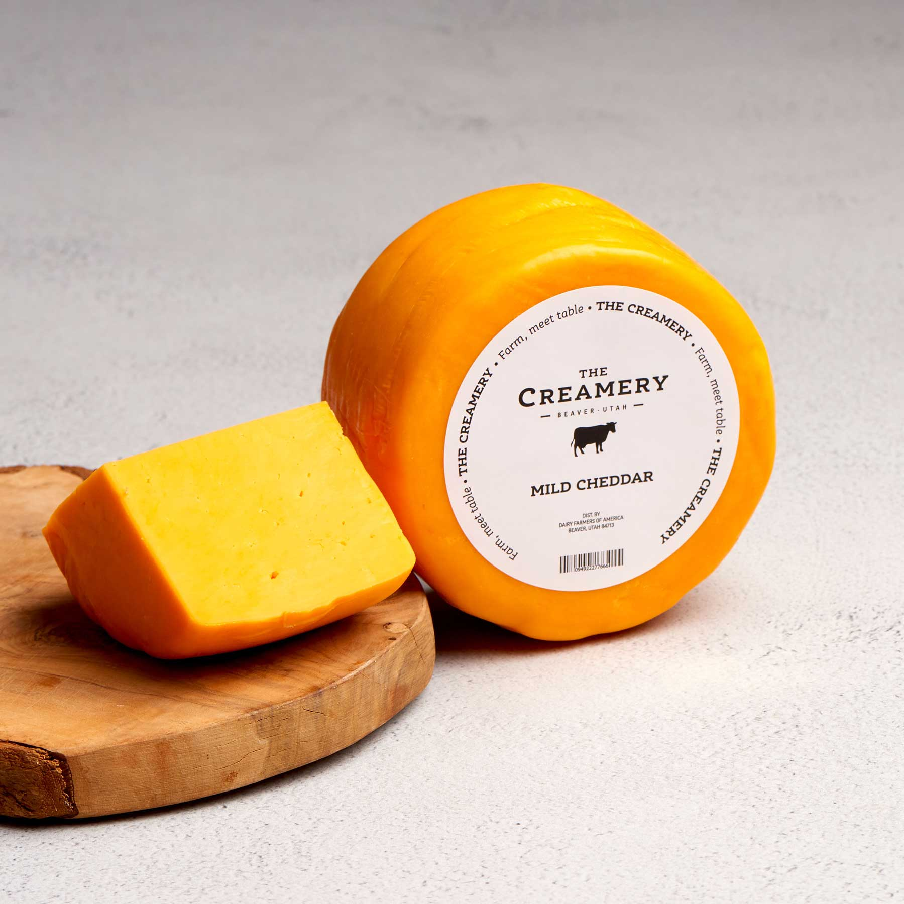 Image of Mild Cheddar Cheese 1 pound round